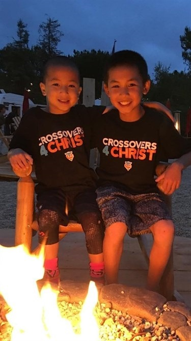 Hangin' out at the fire pit with @collintjin at @saddlebacklf Church. Went to Saturday night service since we got games on Sunday morning. Gotta remember to put God first!#saddlebackchurch #saturdaynight #Godfirst #basketball #ballislife #ballers#ballup #basketballneverstops #striveforgreatness #handlelife #9yearsold #3rdgrade #jacobhsu